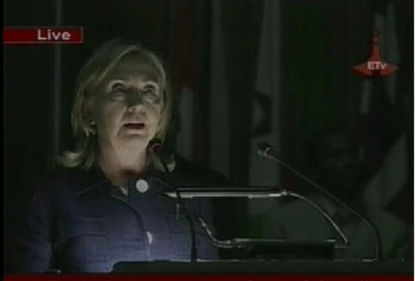 An Embarassing moment for the Ethiopian regime - Lights turned off during Clinton AU speech in 2011