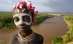 """Controversial """"villagisation"""" resettlement programme funded by US and UK results in serious right abuses to Lower Omo Valley communities"""
