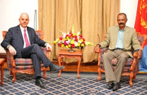 Italian delegation led by Deputy Foreign Minister Lapo Pistelli in Asmara with President Isaias