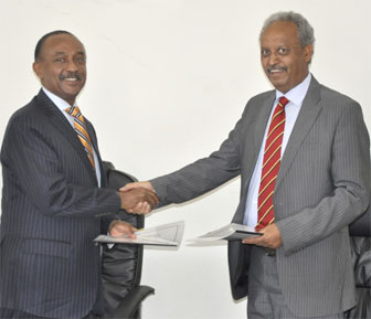 AfDB Regional Director, Mr. Gabriel Negatu and Minister Berhane Habtemariam sigining the agreement