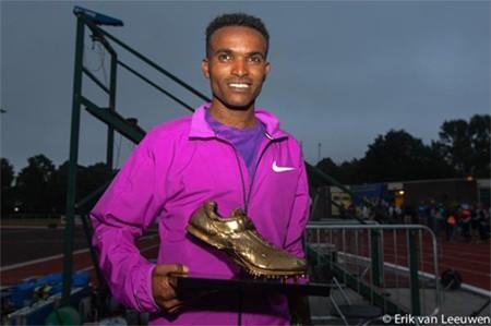 Proud winner of the golden spike award Abrar Osman