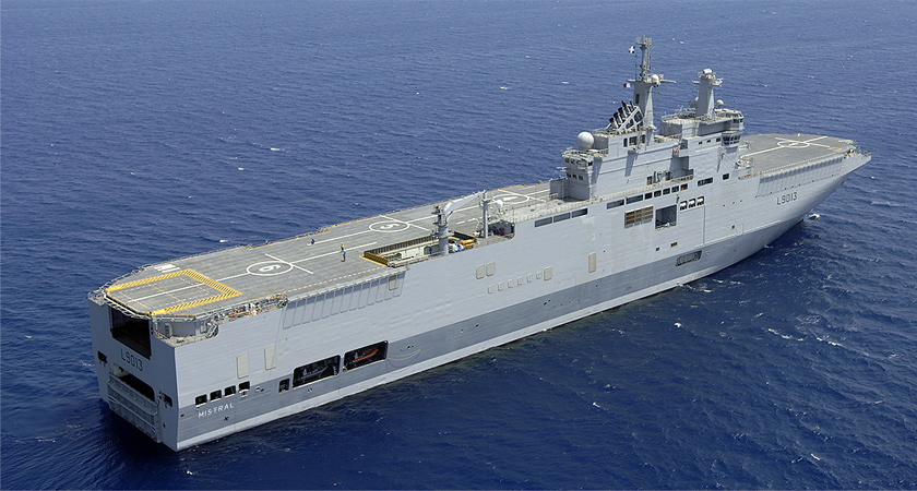 egypt buys mistral helicopter carrier warship