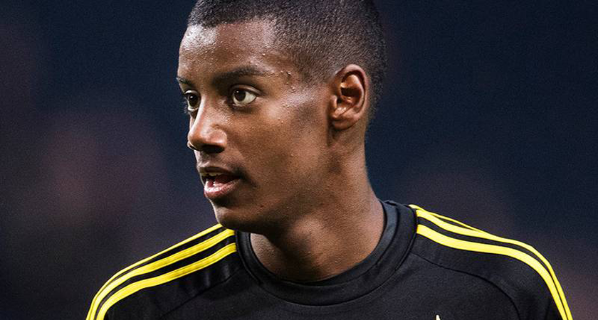 Thousands of AIK Fans Sing Happy Birthday to 17-yo Alexander Isak