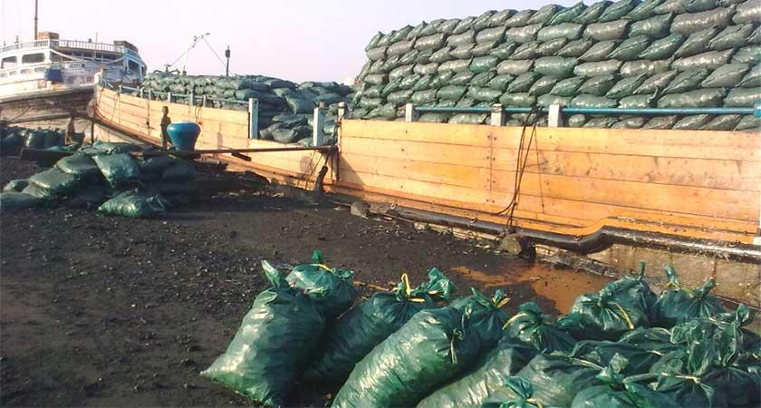 Kenya funding Al-Shabaab by conducting illegal trade