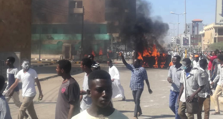Sudan Protesters Turn Anger Over Bread Toward Bashir