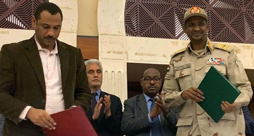 Sudan's ruling military council and an alliance of opposition groups have signed a transitional power-sharing accord