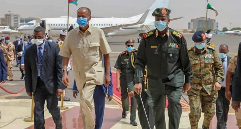 President Isaias Arrives in Khartoum